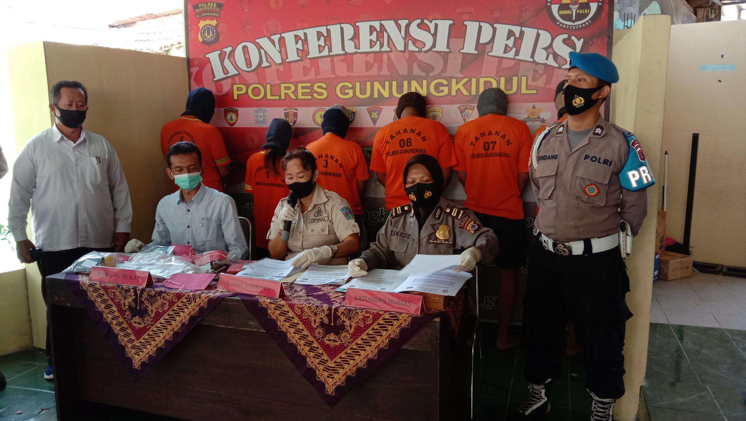 Tiga Pengedar Ditangkap, Polisi Sita Ratusan Pil Terlarang