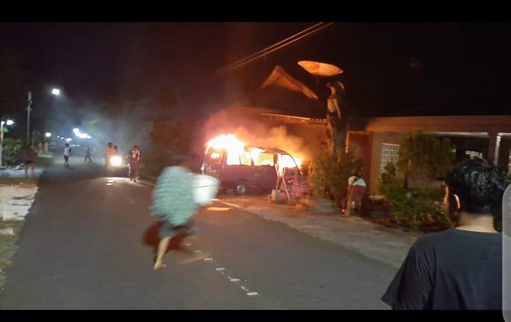 Mobil Yang Terbakar