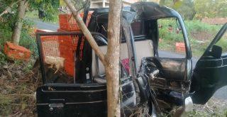 Mobil Carry Pasca Kecelakaan